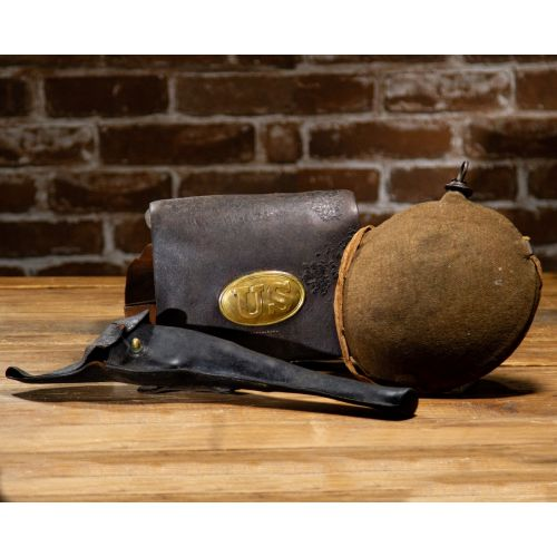 Civil War Set of 3: Cartridge Box with Sling, Linen Strap and Revolver Flap Holster